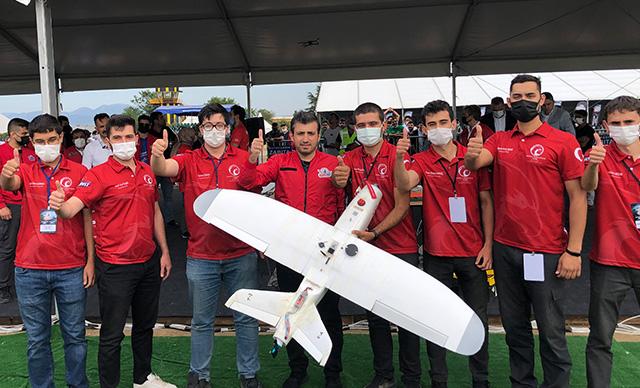Selçuk Bayraktar, TEKNOFEST Savaşan İnsansız Hava Araçları Yarışması'nda